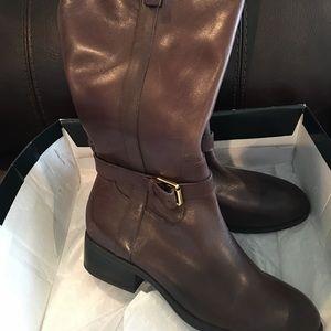 NWOT Stylish Ralph Lauren leather boots.